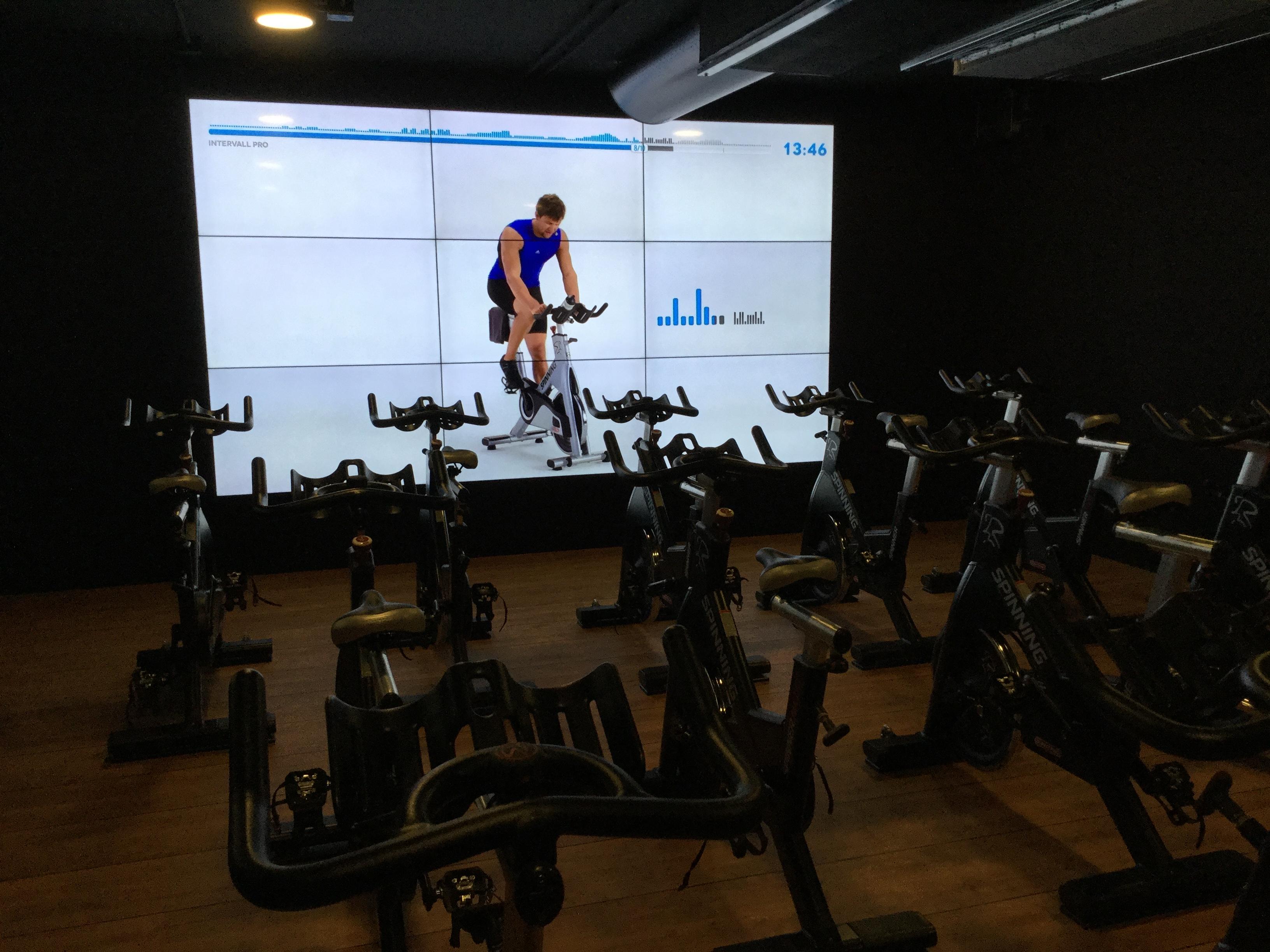 McFIT Napoli, il fitness di tendenza nel centro città.